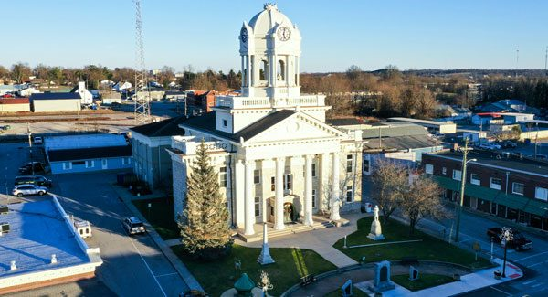 Anderson County Courthouse in Lawrenceburg KY