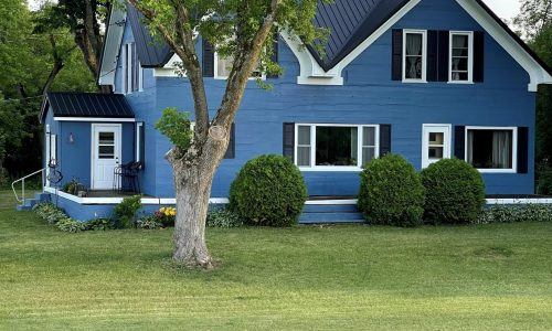Blue & White Home in Green Bay