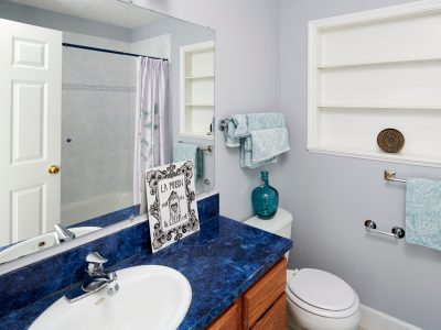 interior painting done in a bathroom in Milwaukie, OR
