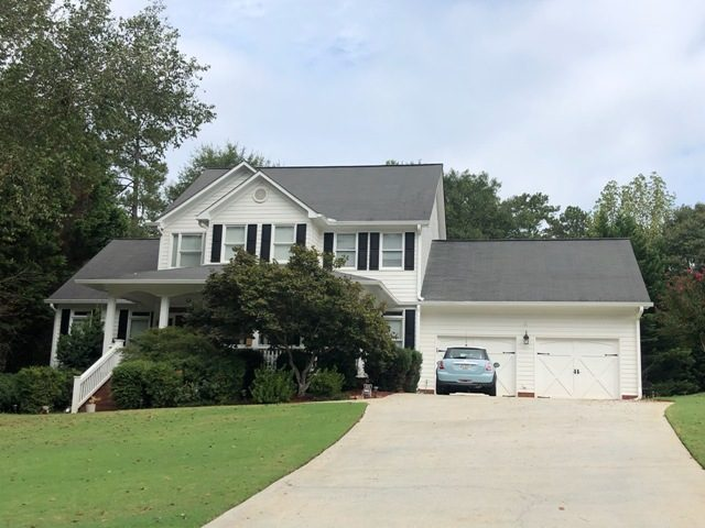 exterior of repainted home in roswell georgia